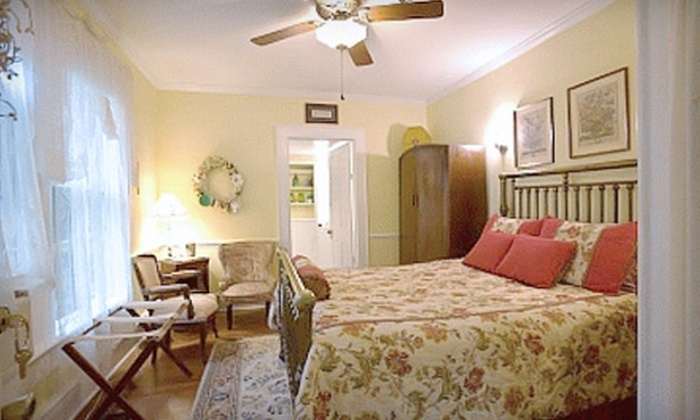 Mount Dora Historic Inn - Mount Dora: One-Night B&B Stay for Two People, Plus Breakfast, or One-Night Cottage Stay at Mount Dora Historic Inn