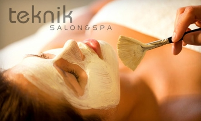 Teknik Salon & Spa - Waterloo: $39 for an Avancé Signature Facial at Teknik Salon & Spa ($96 Value)