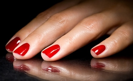 The Green Spa & Wellness Center: LCN Manicure - The Green Spa & Wellness Center in Brooklyn