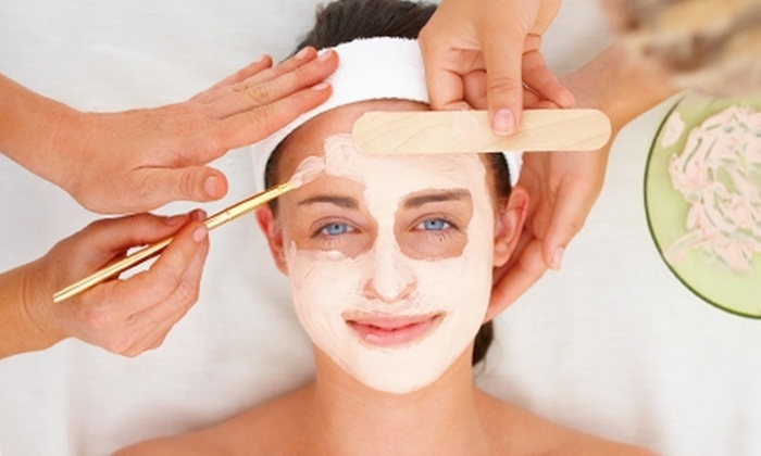 Body & Soul Day Spa - Streetsville: $79 for a Micro-Oxygen Facial and Body Polish at Body & Soul Day Spa in Mississauga ($250 Value)