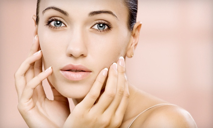Spa Mia Bella - Maryville: $48 for a Spa Package with Facial and Pedicure at Spa Mia Bella in Maryville ($107 Value)
