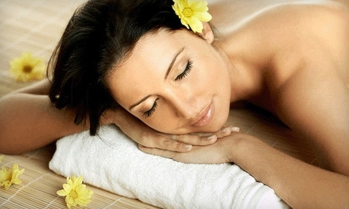 Spiritus Wellness - Cedardale: $49 for a One-Hour Massage, Aromatherapy Facial Steam, and Take-Home Bath Salts at Spiritus Wellness in West Vancouver (Up to $103.95 Value)