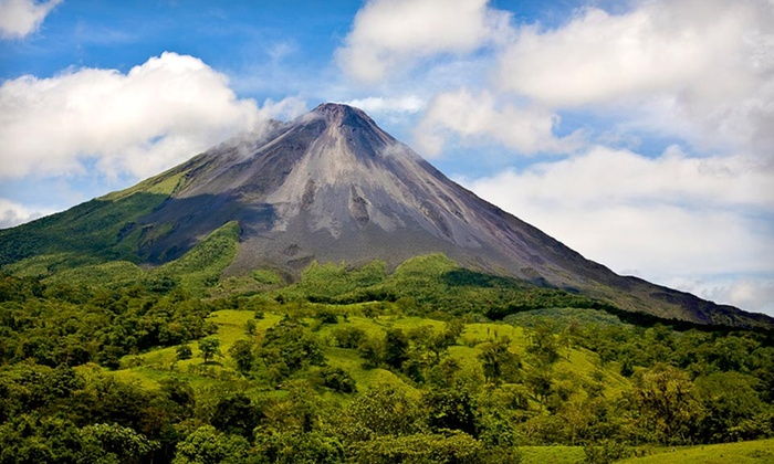 The Lost Iguana Resort & Spa - La Fortuna: Three- or Four-Night Stay for Two in a Standard Deluxe or Luxury Suite at The Lost Iguana Resort & Spa in Costa Rica