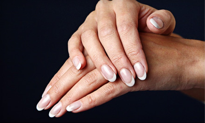 Heavenly Heelz - Hazeldean: $25 for Manicure with No-Chip Gel Polish at Heavenly Heelz ($60 Value)