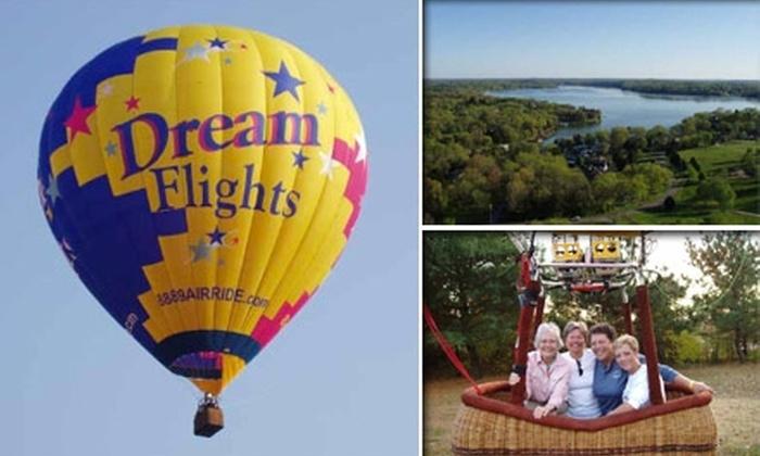 Dream Flights Hot Air Balloons - Murfreesboro: $140 for a One-Hour Hot-Air-Balloon Ride from Dream Flights USA ($250 Value)