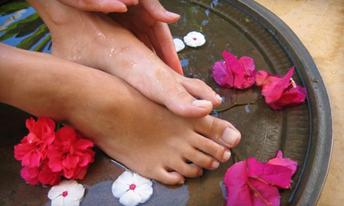 Unicorn Spa - Carlington: One or Three Detoxifying Bamboo-Charcoal Footbaths at Unicorn Spa (Up to 65% Off)