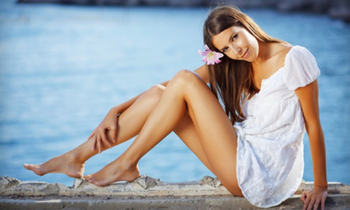 818 Skincare Studio - Tustin: $24 for One Custom SunFX Spray Tan at 818 Skincare Studio in Tustin ($49 Value)