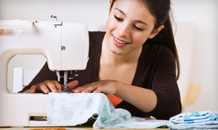 D&R Sewing Center - Jacksonville: $20 for a Three-Hour Beginning Sewing Class at D&R Sewing Center ($40 Value)