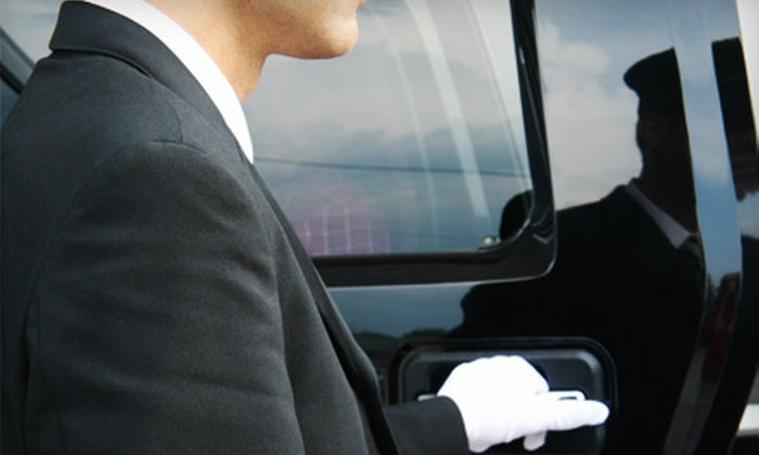 Elite Worldwide Transportation - South Side: Transportation in Luxury Sedan to or from Boston Logan Airport from Elite Worldwide Transportation