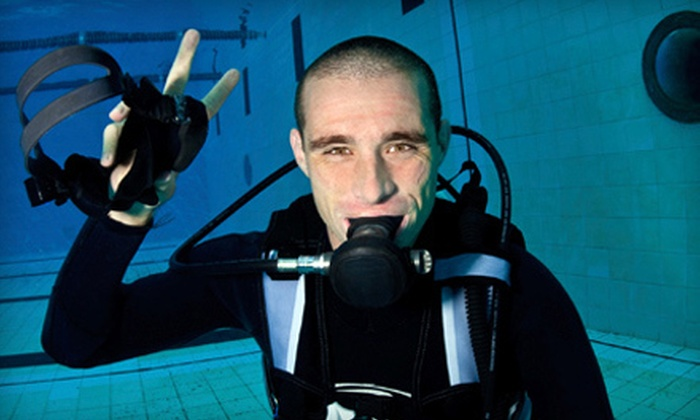 Cincinnati Diving Center - Finneytown: $199 for Five-Session Learn to Dive Course Plus $80 Worth of Scuba Gear at Cincinnati Diving Center ($404.95 Total Value)