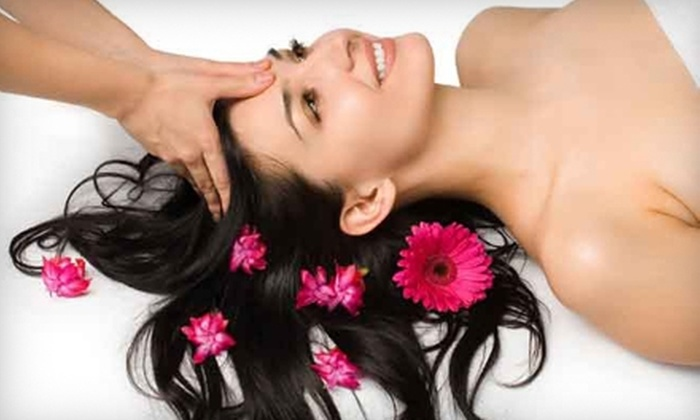 Escapar Massage - Multiple Locations: $39 for an 80-Minute Massage at Escapar Massage ($85 Value)