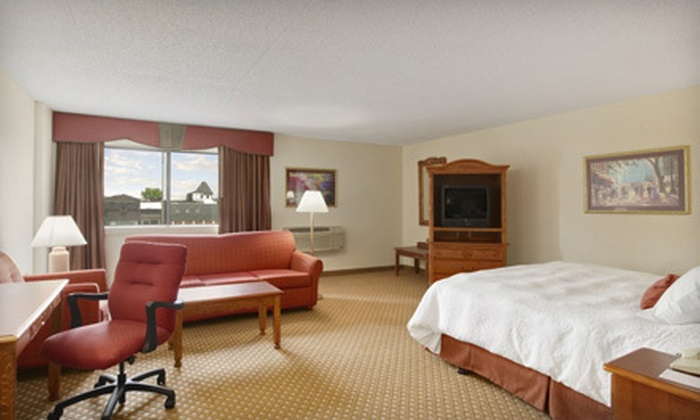 Baymont Inn & Suites - Northwest Warren: $65 for One-Night Stay for Two in a Standard Double or King at the Baymont Inn & Suites in Warren (Up to $129.99 Value)