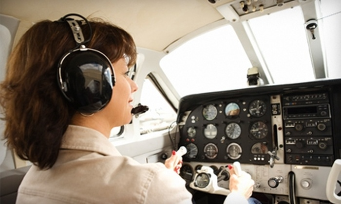 Cactus Aviation - Henderson: $125 for a One-Hour Basic Flight Lesson at Cactus Aviation in Henderson ($253 Value)