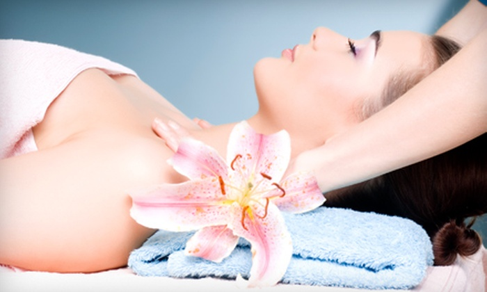 Head 2 Toez Salon and Spa - Depew: Half-Hour, One-Hour, or Two-Hour Swedish Massages at Head 2 Toez Salon and Spa in Depew (Up to 57% Off)