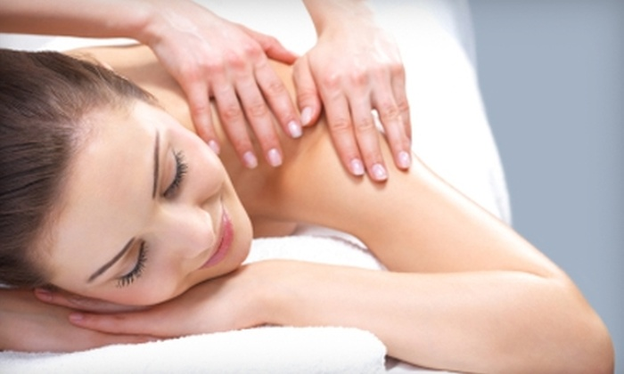 Spinal Decompression Centre - South London: $29 for a Relaxation Acupuncture Session, Full Spine Exam, and MedX Treatment at the Spinal Decompression Centre ($170 Value)