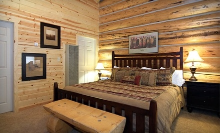 Greer Lodge Resort & Cabins: Lodging in Log Motel Rooms #250-259 for up to 4 Guests - Greer Lodge Resort and Cabins in Greer
