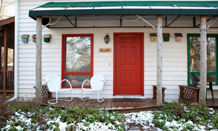 Pine Garth Inn - Union Pier: Two-Night Stay for Up to Four at Pine Garth Inn in Michigan