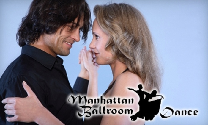 Manhattan Ballroom Dance - Midtown South Central: $35 for Four Weeks of Dance Classes and Admittance to a Social Soiree at Manhattan Ballroom Dance ($95 Value)