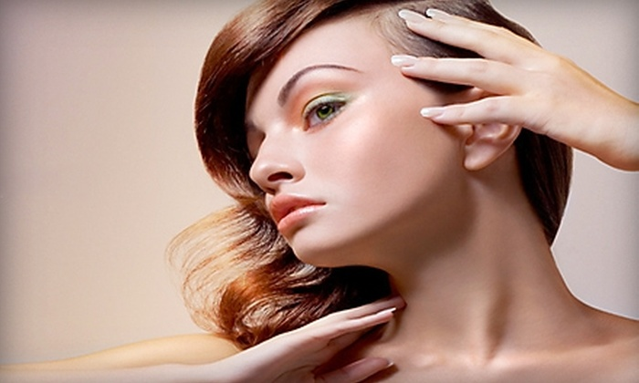 The Pink Nail and Spa - Lakeview: $25 for Deluxe Pedicure and Regular Manicure at The Pink Nail and Spa ($50 Value)