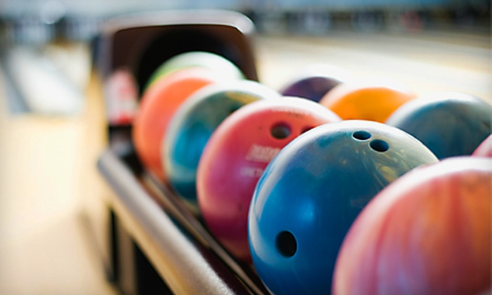 Superplay USA - St. Lucie West: $25 for Bowling and Indoor-Sports Outing for Up to Six at Superplay USA in Port St. Lucie (Up to $116.49 Value)