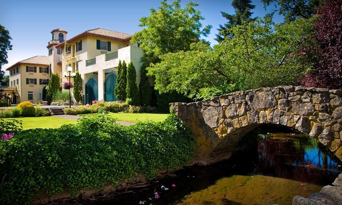 Columbia Gorge Hotel - Boring: $250 for a Two-Night Stay for Two in a River-View Room at the Columbia Gorge Hotel in Oregon (Up to $506 Value)