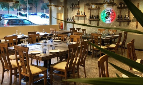 Menú italiano para dos personas con entrante, principal, postre y botella de vino por 24,99 € en Acqua Inbocca