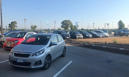 Fino a 10 giorni di parcheggio, aeroporto di Fiumicino con navetta, da Facile Parcheggiare (sconto fino a 44%)
