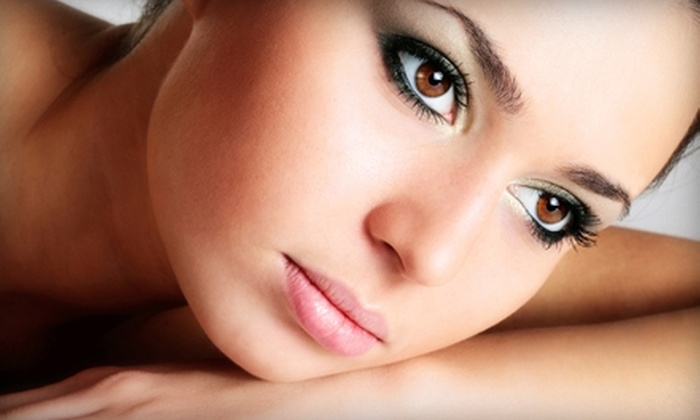 United Hairlines & Tan Lines - Holland: $9 for Eyelash Tinting ($18 Value) or $30 for a 60-Minute Facial ($60 Value) at United Hairlines & Tan Lines in Holland