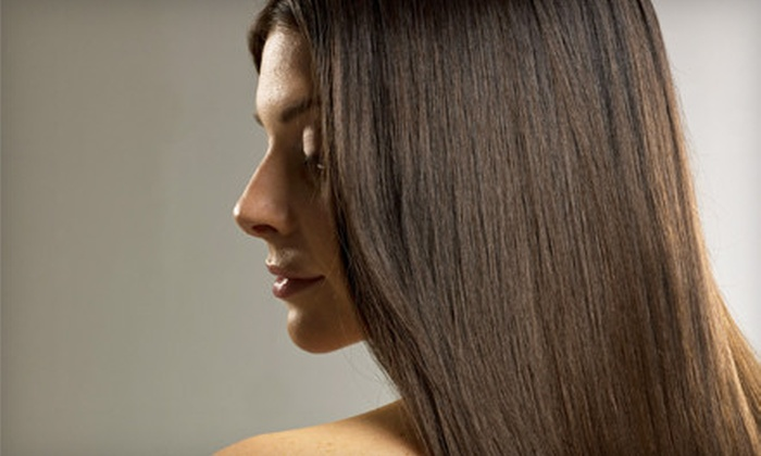 De Lis Salon - Manhasset: $99 for a Keratin Smoothing Treatment and 10-Minute Scalp Massage at De Lis Salon in Manhasset ($215 Value)