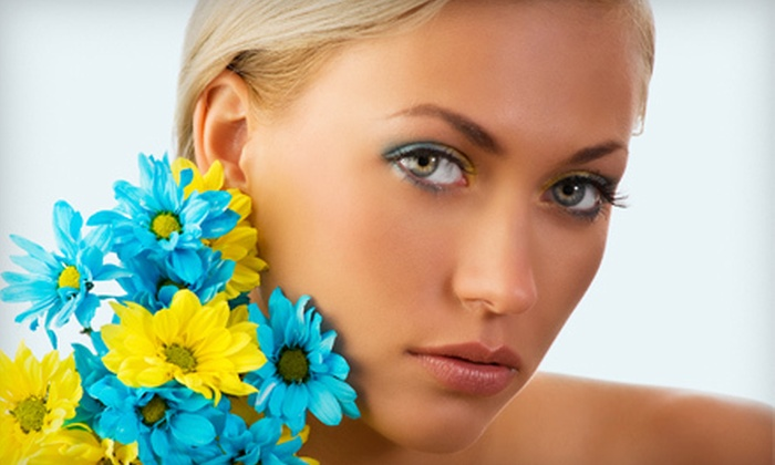Glow Tanning Studio - Newport-Fort Thomas: Three or Five VersaSpa Spray Tans or UV-Tanning Sessions at Glow Tanning Studio in Cold Spring (Up to 77% Off)