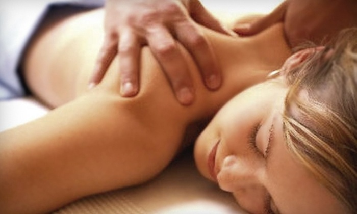 Living Well  - Farmers Branch: $75 for a Three-Hour Couples Massage Class at Living Well ($225 Value)