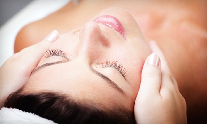 Heights Spa @ W. 19th - Houston: $39 for a Dermaglow Microdermabrasion or a Dermaculture Collagen Facial at Heights Spa @ W. 19th ($99 Value)