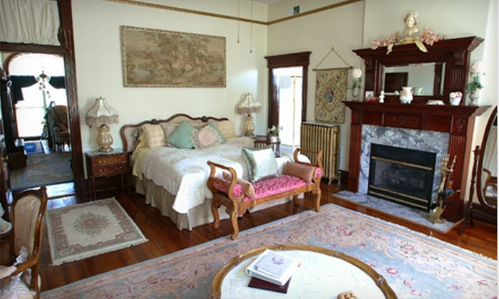 Beall Mansion - Alton: $375 for Two-Night Romantic Bed-and-Breakfast and Winery Getaway for Two at Beall Mansion in Alton ($853 Value)