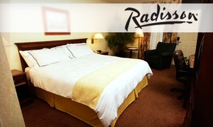 Radisson Hotel Opryland - Penningtom Bend: $66 for a Room and Breakfast for Two at the Radisson Hotel Opryland (Up to $143.14 Value)