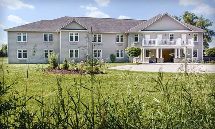 Stone Willow Inn - St. Marys: $85 CAN for a One-Night Stay with Dining Credit at Stone Willow Inn in Ontario (Up to $175 CAN Value)