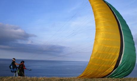 Vuelo en parapente biplaza de 20 minutos o iniciación con vuelo de 30 minutos desde 29,90 € en Parapente Asturias