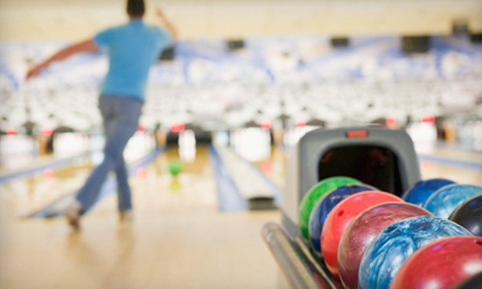 Eastgate Lanes - Ellet: $20 for Two Hours of Bowling and Pizza for Up to Six at Eastgate Lanes (Up to $75.25 Value)
