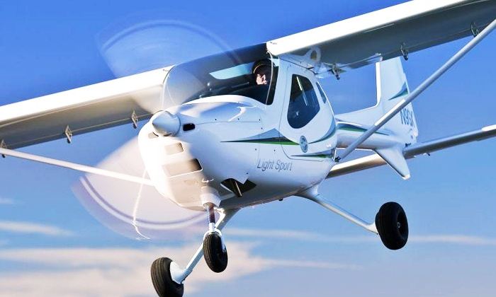 Coastal Skies Aero Club - Alvin-Pearland: $185 for a Discovery Flight in a Light Sport Aircraft at Coastal Skies Aero Club ($318 Value)