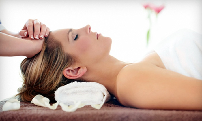 Minellis Massage Essence - The Market At Town Center: One or Three Skinny Massages at Minellis Massage Essence in Sugarland (Up to 56% Off)