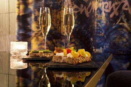 Cocktail ou verre de vin et une planche mixte pour 2 ou 4 personnes dès 25 € à Empreinte Hôtel Orléans, Boutique & Spa