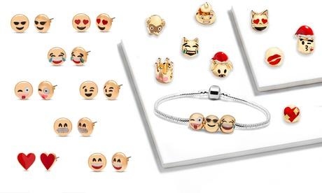 1, 2 o 3 sets de joyería emoji con 1 pulsera, 12 charms y 8 pares de pendientes