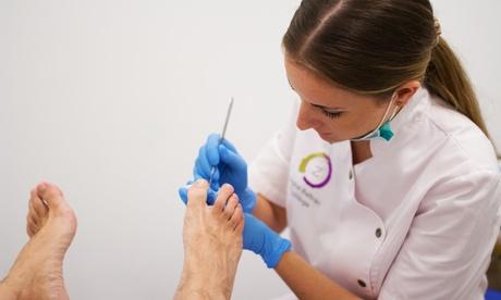 1 o 3 sesiones de quiropodia con trat. de hidratación podal y opción aeliminación de verrugas desde 12,90 € enZensya