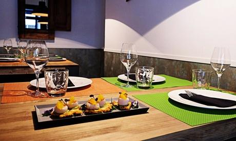 Menú para 2o 4 con aperitivo, entrante, principal, postre y bebida desde 24,95 € en Sagaz Restaurante