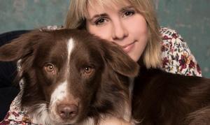 Gard Photography: Fotoshooting für bis zu 2 Haustiere und 4 Personen inkl. 2 bearbeiteter Fotos bei Gard Photography (bis zu 77% sparen*)