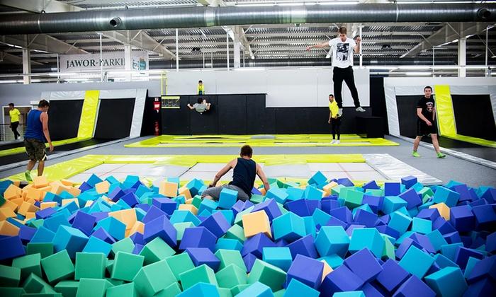 Jump Arena - Wiele lokalizacji: Jump Arena – park trampolin: wejście dla 2 osób od 17,99 zł i więcej opcji – 3 lokalizacje