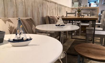 Brunch o drunch para 2 o 4 con plato salado y dulce y bebida en La Barca 034 (hasta 63% de descuento)