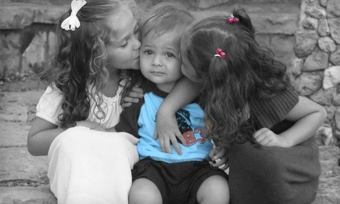 DeVee Photography - Sioux Falls: $29 for 30-Minute Photo Shoot, Three Prints, and CD of Images ($175 Value) from DeVee Photography