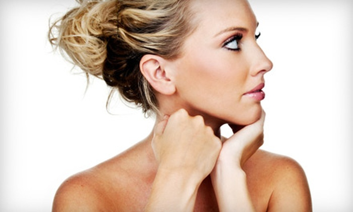 Naturally Bronze - Staten Island: $39 for Three Custom Airbrush Spray Tans at Naturally Bronze in Dongan Hills ($96 Value)