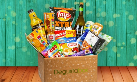 Lote Degustabox con productos de alimentación de primeras marcas valorado en 25 €