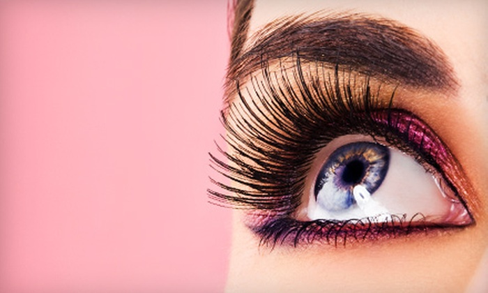 Unique Threading Salon - River Mountain: Two or Four Eyebrow-Threading Sessions at Unique Threading Salon (Half Off)